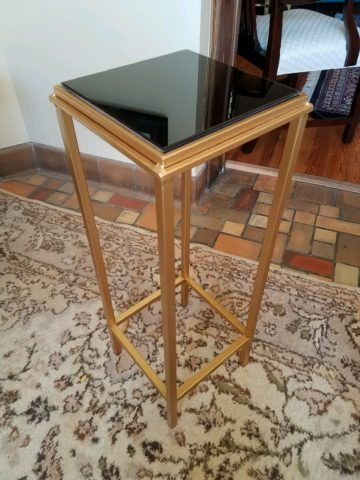 Onyx Top Stand