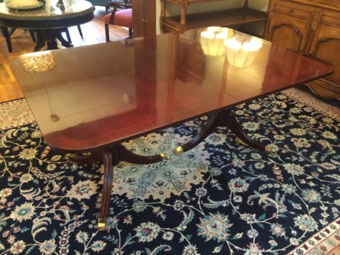 Kindel 18th Century Collection Mahogany Pedestal Table